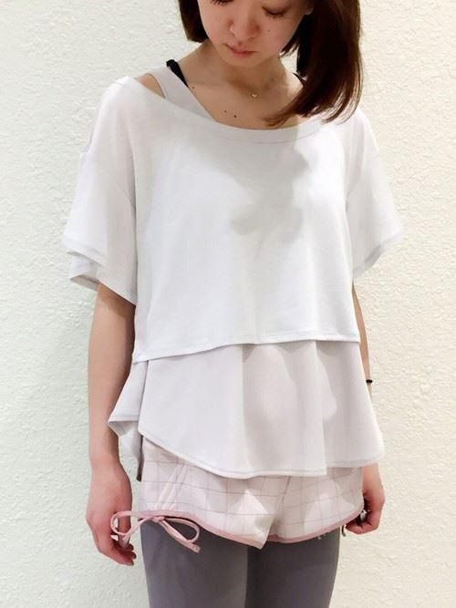 私服でも着られるオシャレかわいいヨガコーディネートの画像1