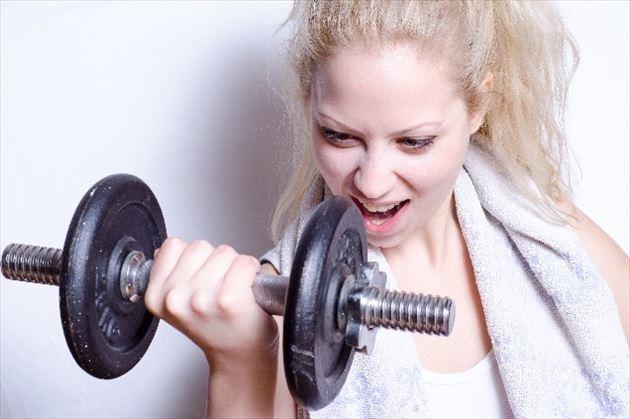 有酸素運動する女性の画像8